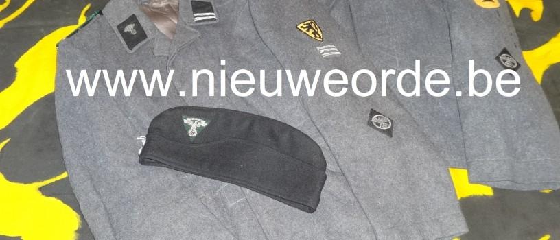 Twee jassen en muts van de Vlaamse NSKK  (Nationalsozialistisches Kraftfahrkorps)