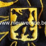 h. Vlaamse makelij (laat-oorlogs) 'Langemarck'. (Mogelijks ook bestemd voor gebruikt door de Hitlerjeugd-Vlaanderen).
