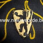 b. Vlaamse makelij Vlaams Legioen. (Ook gebruikt door Vlaamse NSKK en DRK.)